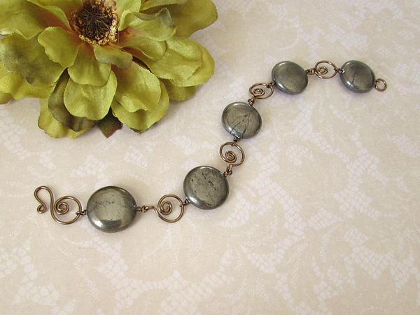 Pyrite and chocolate brass bracelet by asukouenn