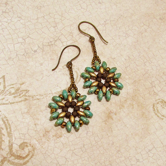 Snowflower earrings by asukouenn