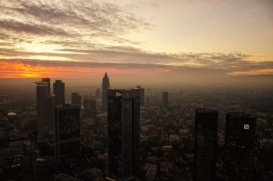 Sunset in Frankfurt by rayxearl