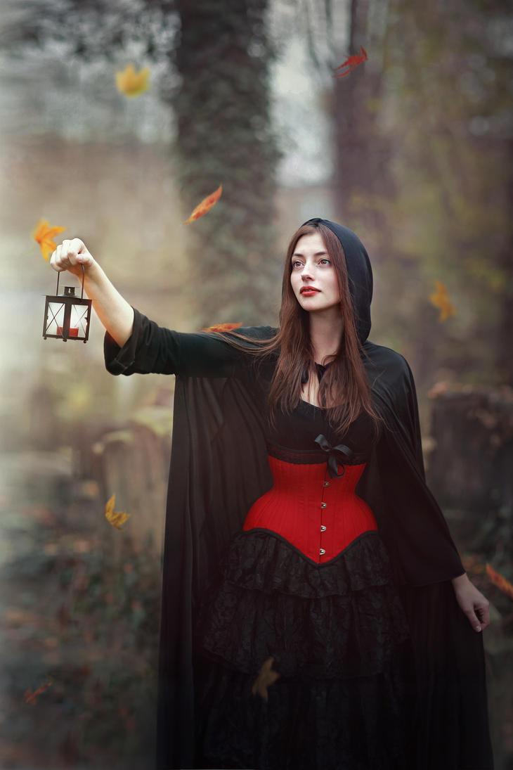 gothic_lady_by_freyja90-d6sxfy8.jpg