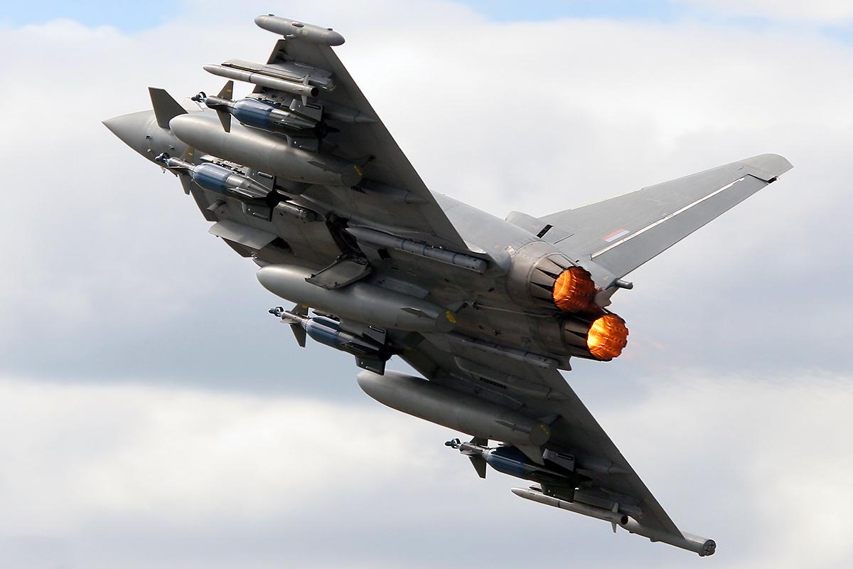 Eurofighter Typ... F2