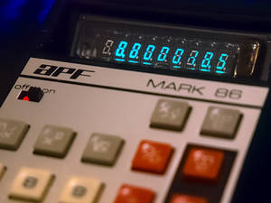 APF Mark 86 Calculator with missing display cover