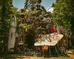 Cathedral of Junk - 02