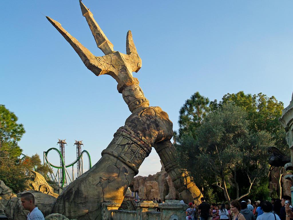 Universal Studios Hollywood vs. Universal Studios Florida: An ...