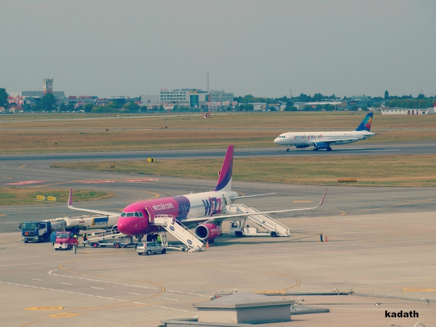 Warsaw Chopin Airport by k-a-d-a-t-h