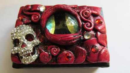Skull and Dragon Eye Box by diablosbelle