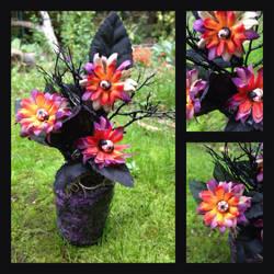 Little Eyeball Plant by diablosbelle