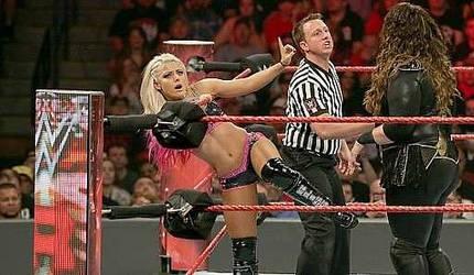 WWE - Nia Jax vs Alexa Bliss 6 by NyoTengu22