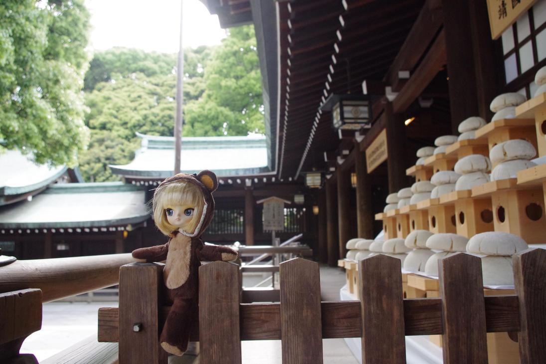 Meiji-jingu by Tiniehyde