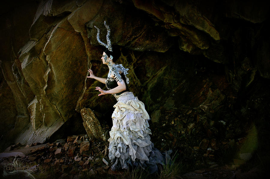 DragonsFaeriesElves&theUnseen : Mountain Nymphs of Oreads