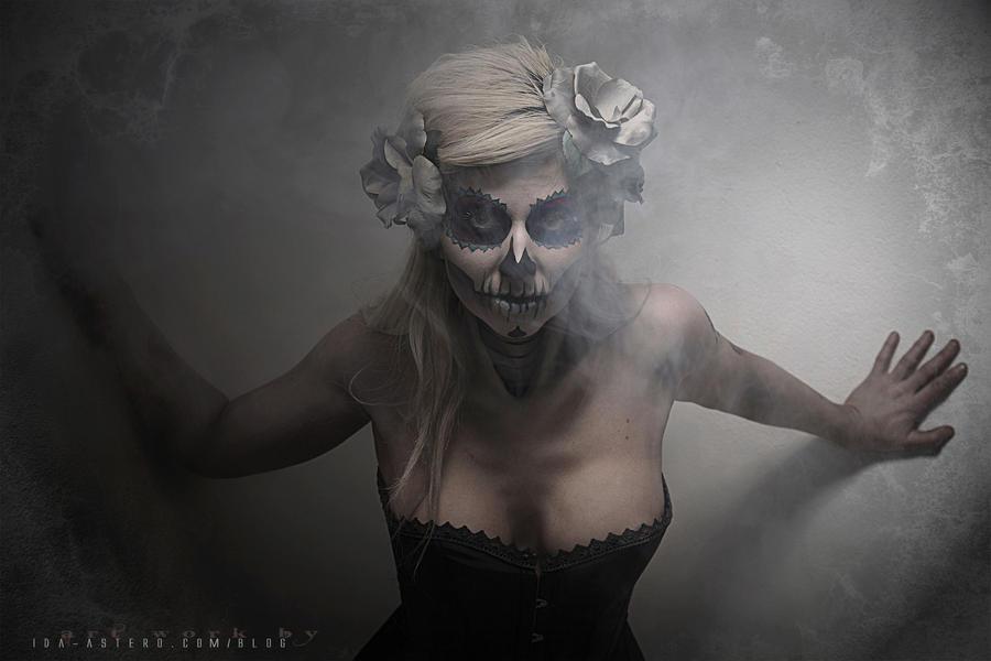 Los Muertos by Ida-Astero