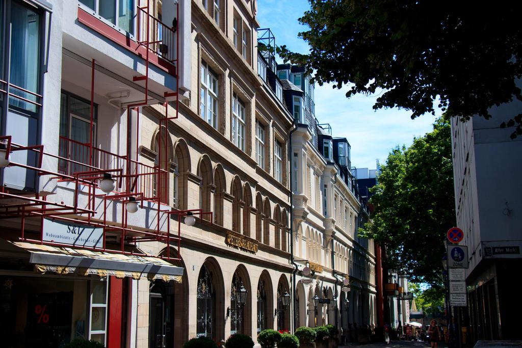 walking through Cologne by NecScireFasEstOmnia