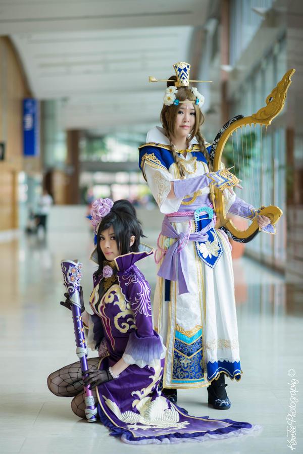 Cosplay: Dynasty Warrior 8 - Shinki + Cai Wenji by yurkary