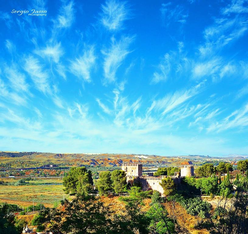 Toledo  V by Zerzer