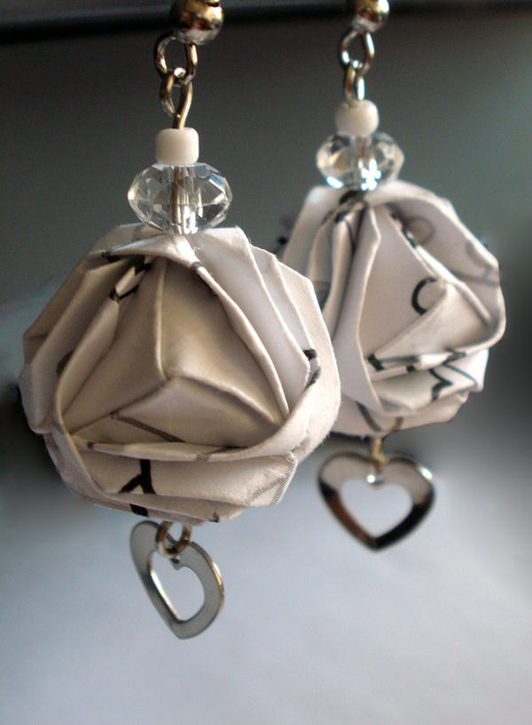 Origami Earrings by yamixhikari
