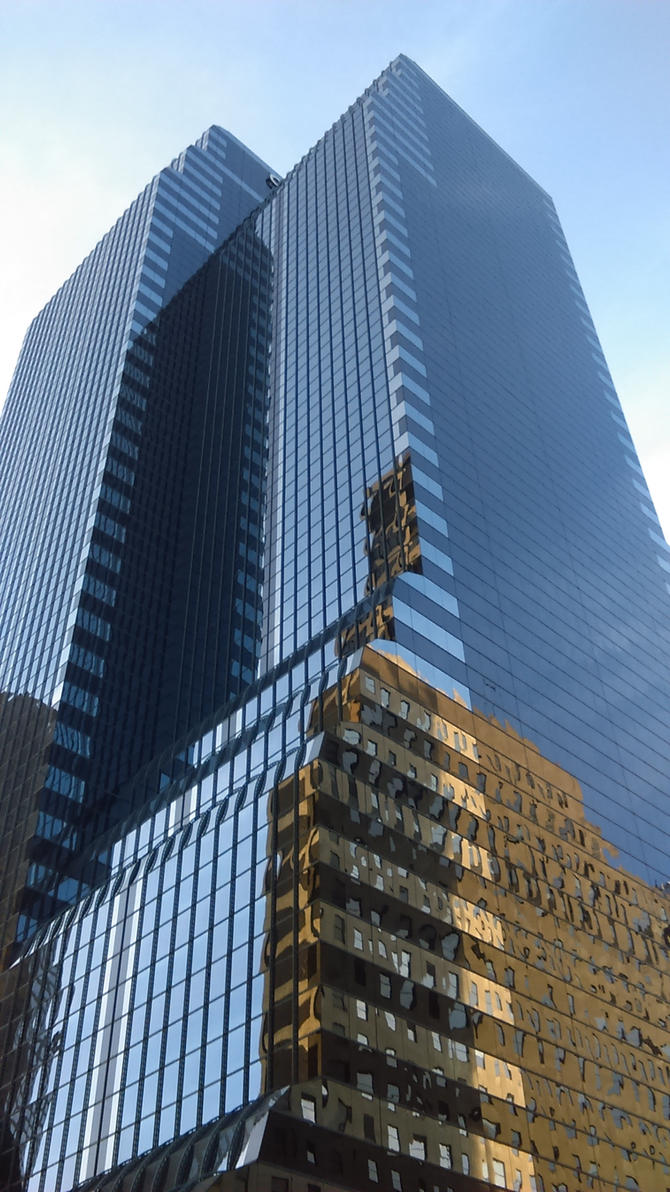 Random building in Chicago by pluggo