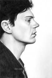 Evan Peters by nabey