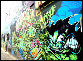 Alleyway Graffiti by Suyeda