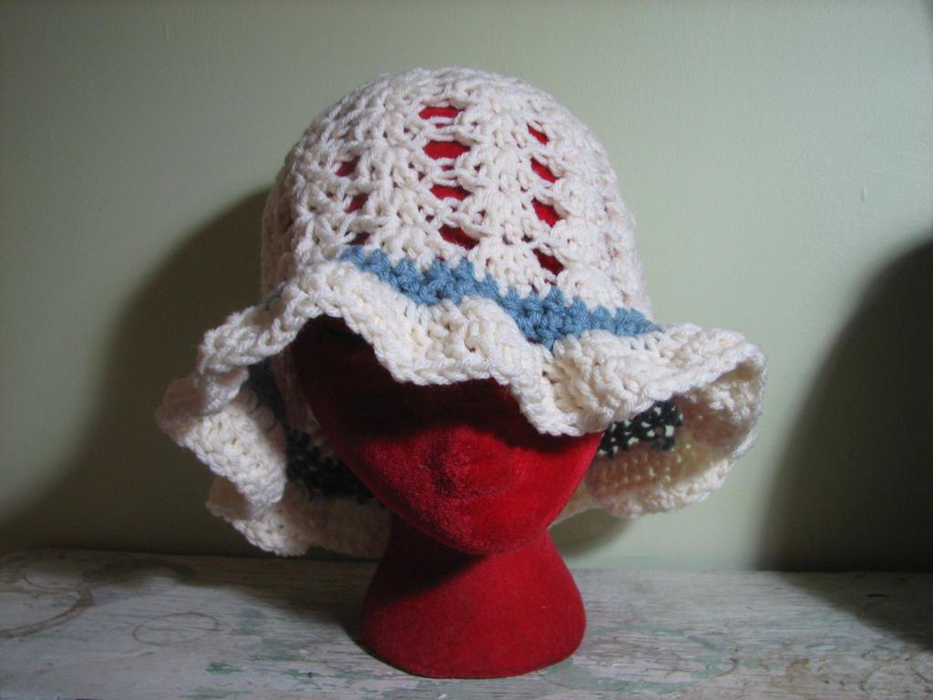 Crochet Beach Hat adult size by Zaraphena