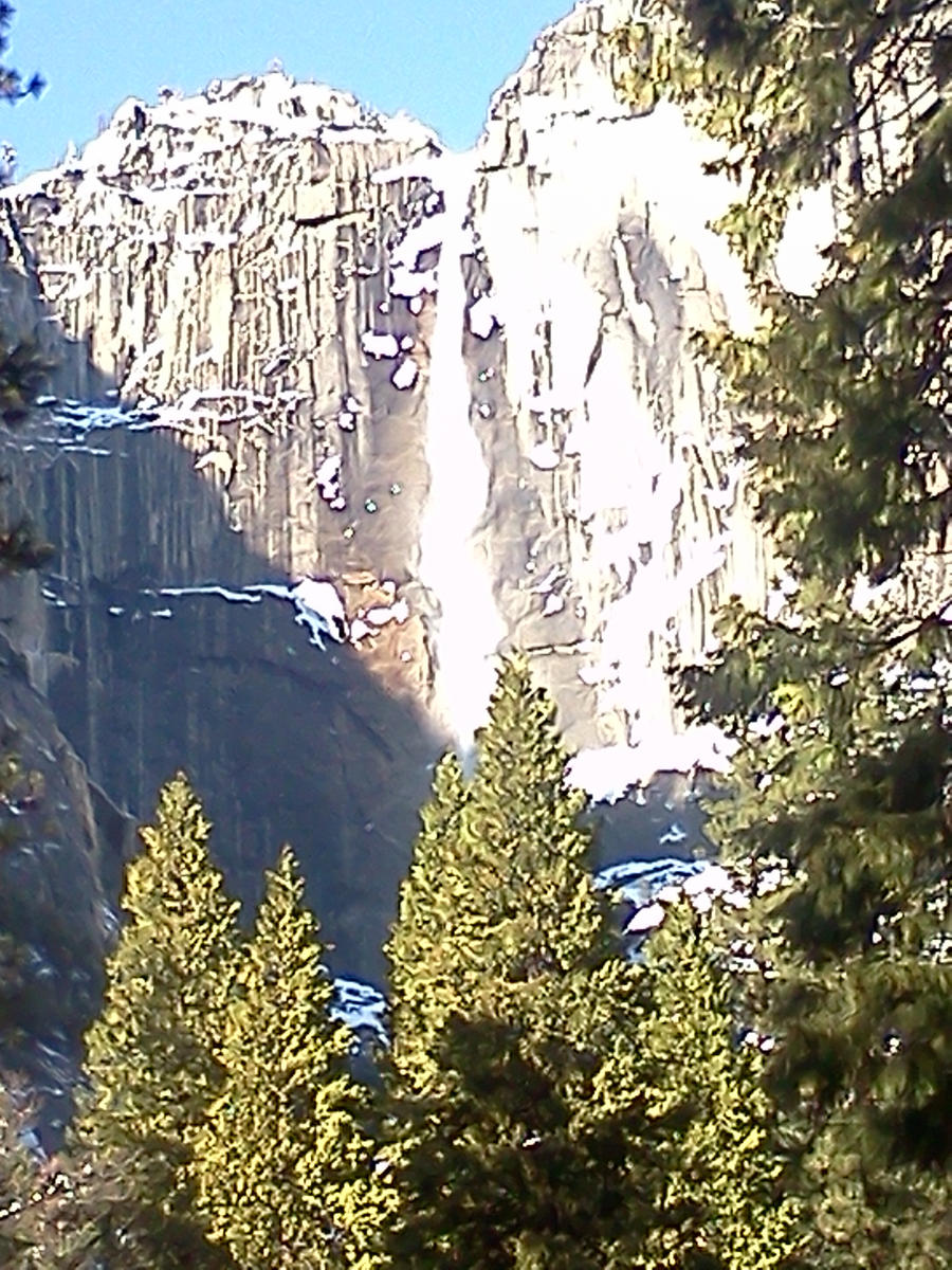 Yosemite Falls by Spaz-Twitch11-15-10