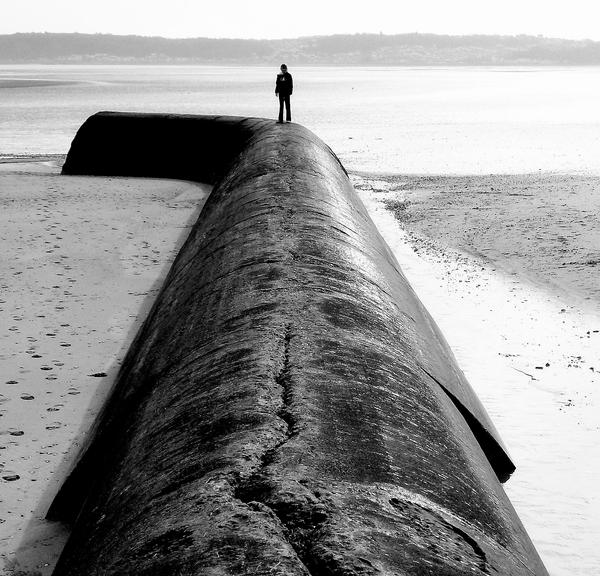 Pipe Black and White by raaych1