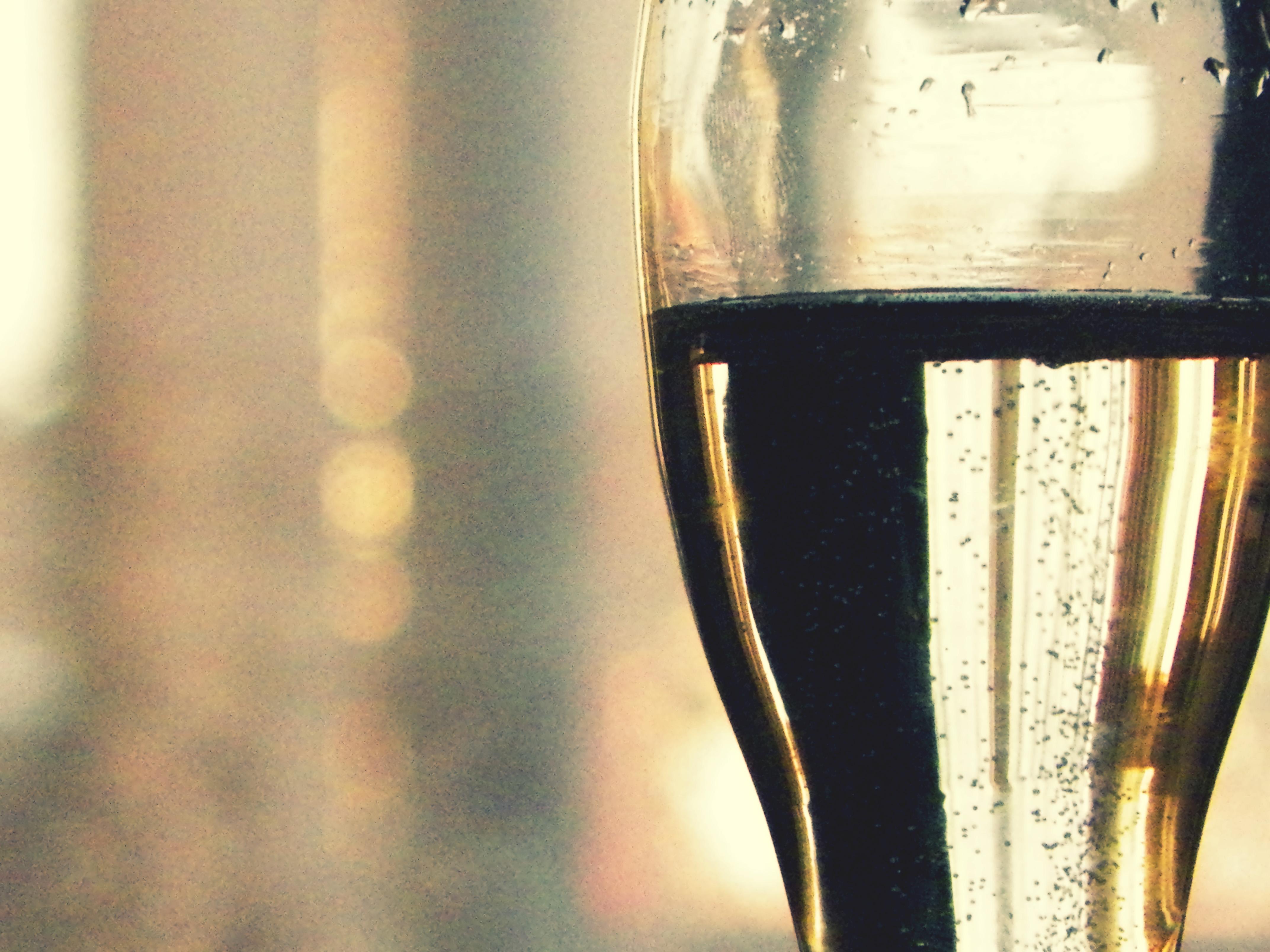 Como si fueran burbujas de champagne... by Followmebehindthis