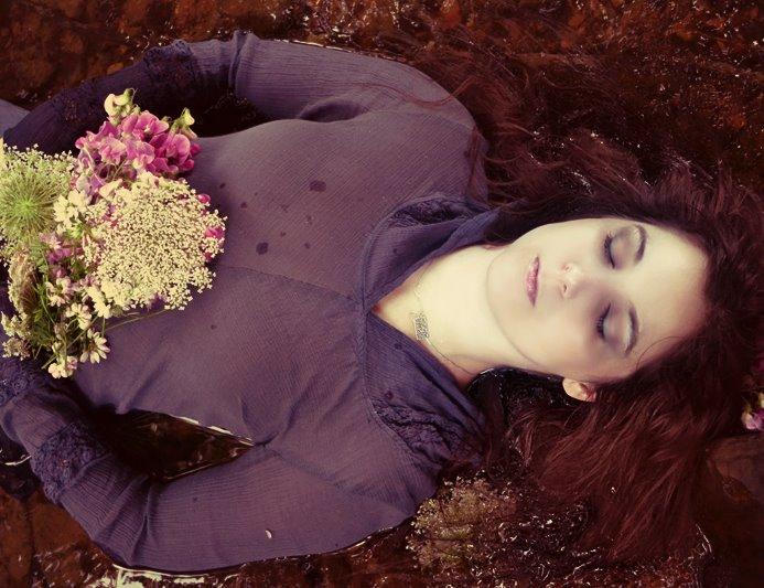 Lyanna Laid to Rest by ShatteredStitch