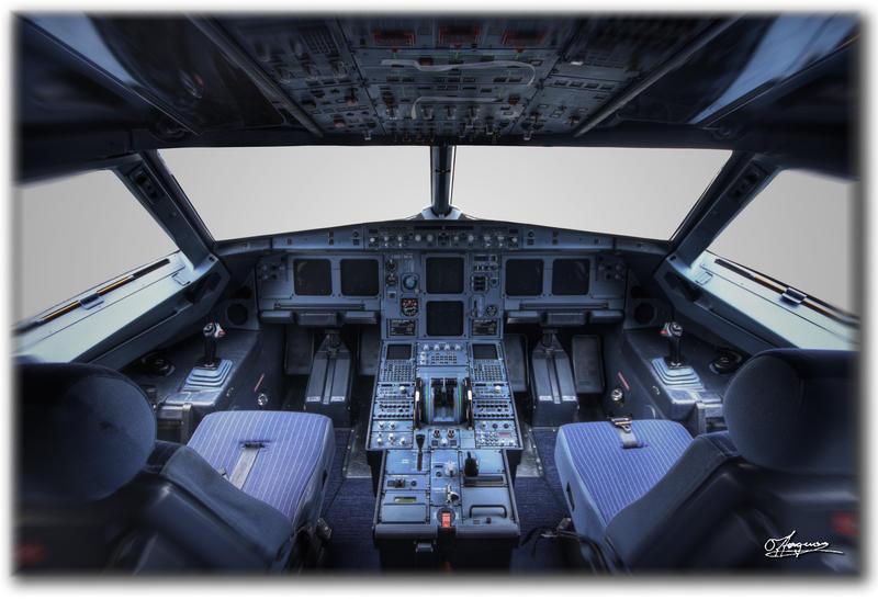 A320 Cockpit by dragonslayero