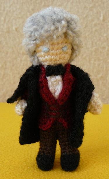Third Doctor amigurumi by ilwin