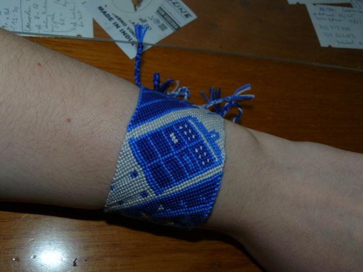 Tardis friendship bracelet by ilwin
