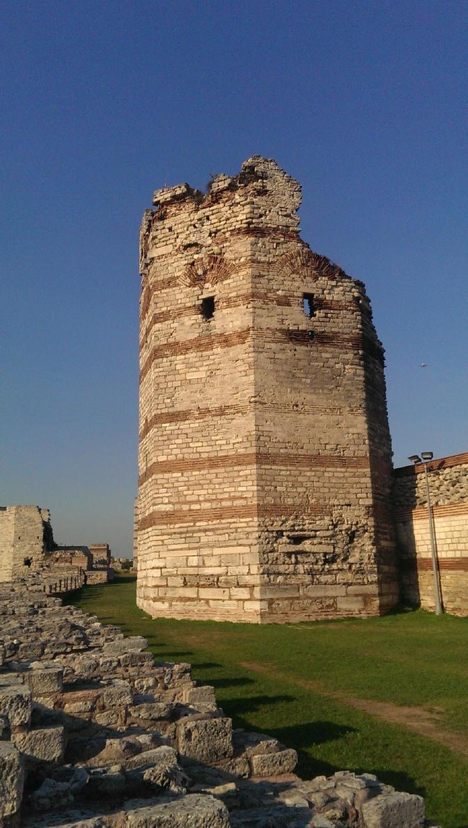The Theodosian walls by Hoplitesoldier7