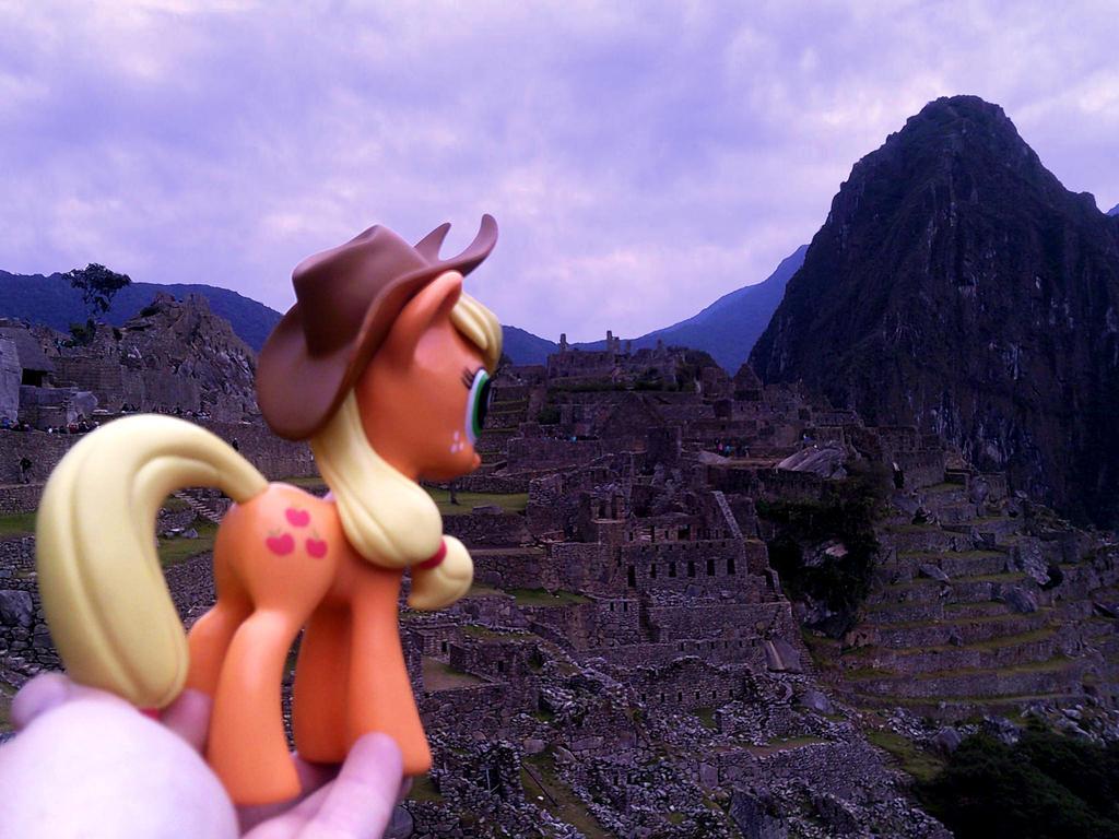 Applejack at Machu Picchu