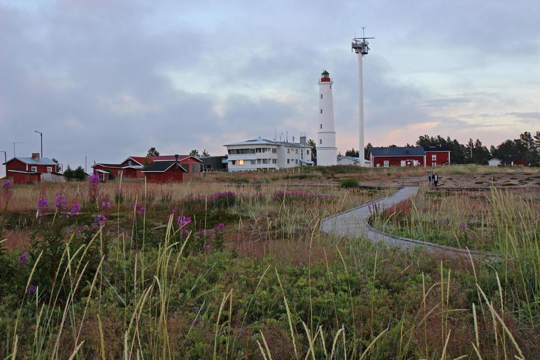 Marjaniemi Lighthouse by HannaV