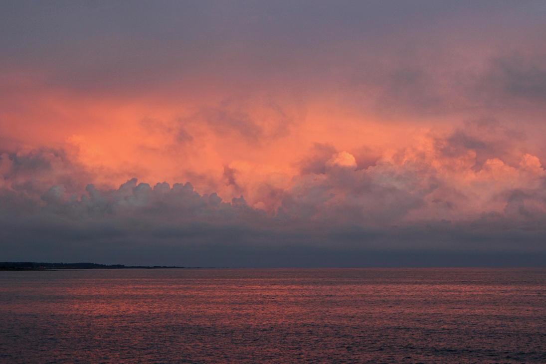 Pink Sky by HannaV