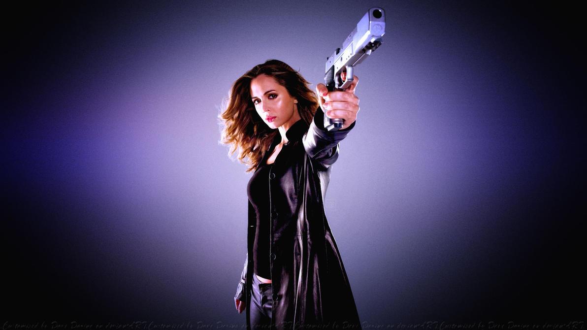 Eliza Dushku Gun by Dave-Daring