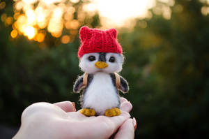 Penguin named Aku 3 by Lyntoys