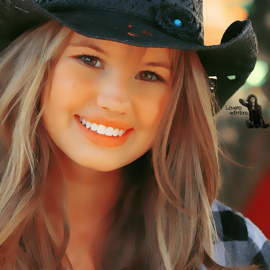 Debby Ryan Photoshopped
