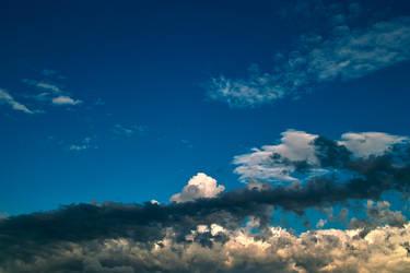 Dark Thunderclouds by zeropainter