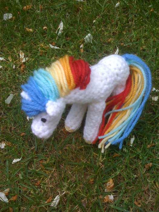Rainbow pony by moominbadger