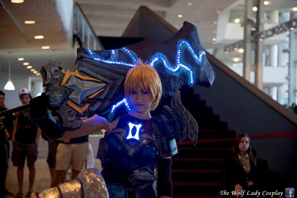 Championship Riven cosplay from League of Legends by ...