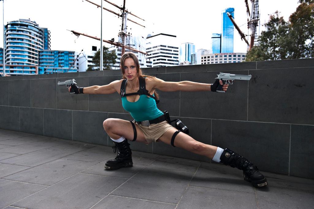 Lara Croft - Lunge by ShonaAdventures