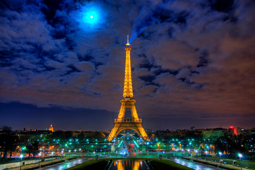 Eiffel Tower by night HDR