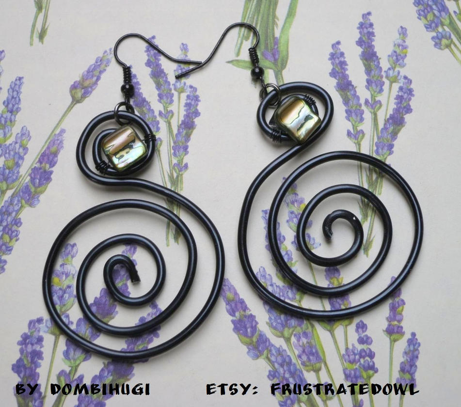 Swirl with rainbow earrings by DombiHugi