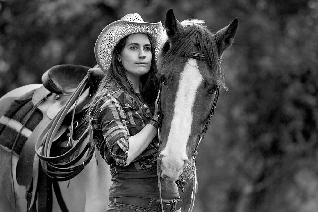 cowgirl and horse 2 by JanRohwedder
