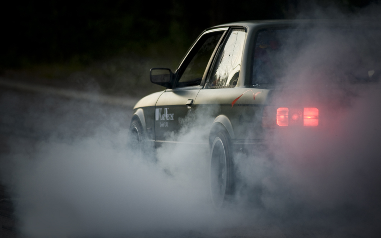 Bmw Burnout Wallpaper