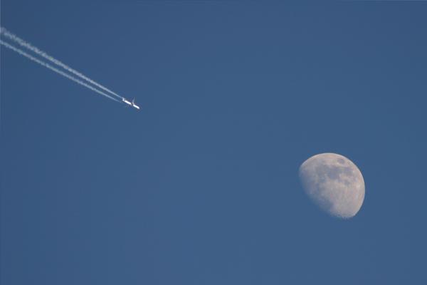 Plane Moon 2 by JimmyJam75