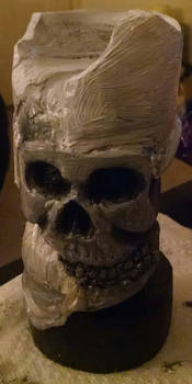 Skull candle sculpture