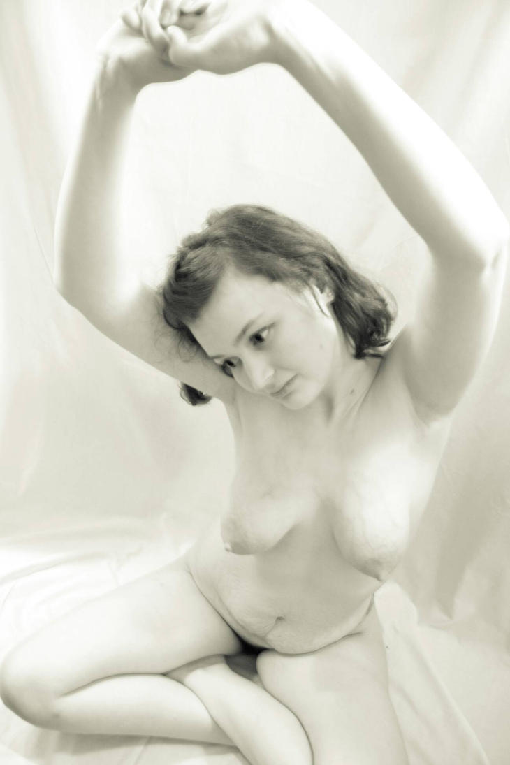 nude study 08 by pHotOPuNK82