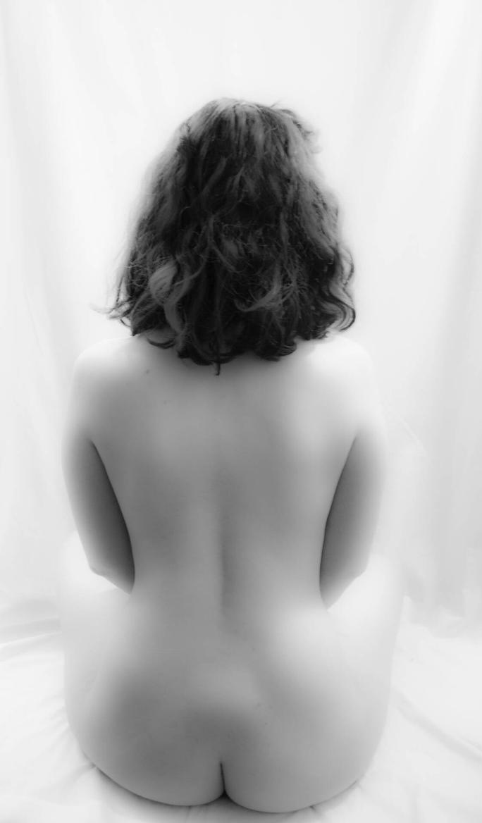nude study 09 by pHotOPuNK82