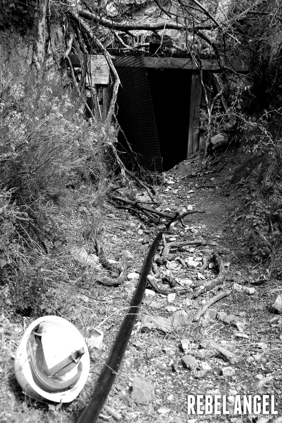 mine shaft wallpaper - photo #18